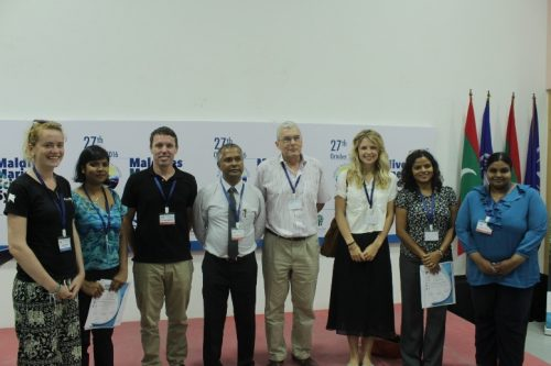 vivienne-evans-shaha-hashim-with-attendess-of-the-maldives-marine-science-symposium